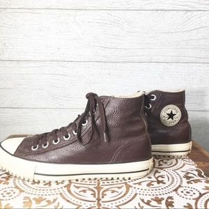 Converse Chuck Taylor Leather High Top Sneakera